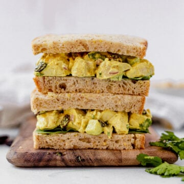 curry chicken salad on gluten free bread with romaine lettuce