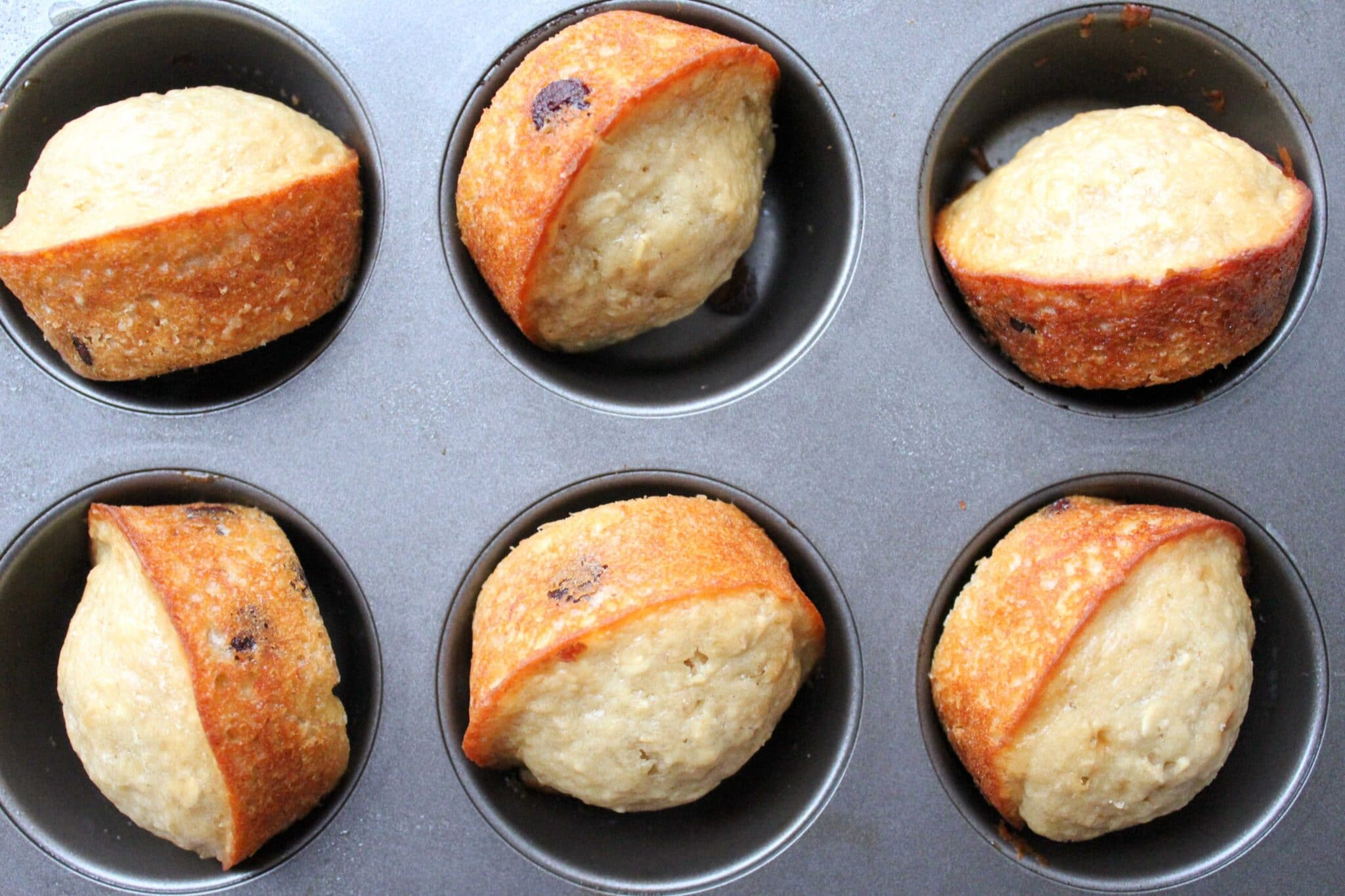 healthy-oatmeal-chocolate-chip-muffins