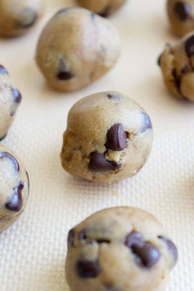 healthy-cookie-dough-bites