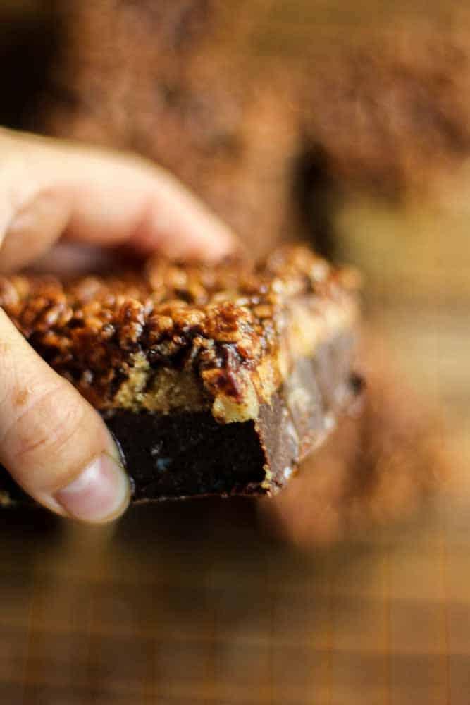 paleo-gluten-free-caramel-brownies14