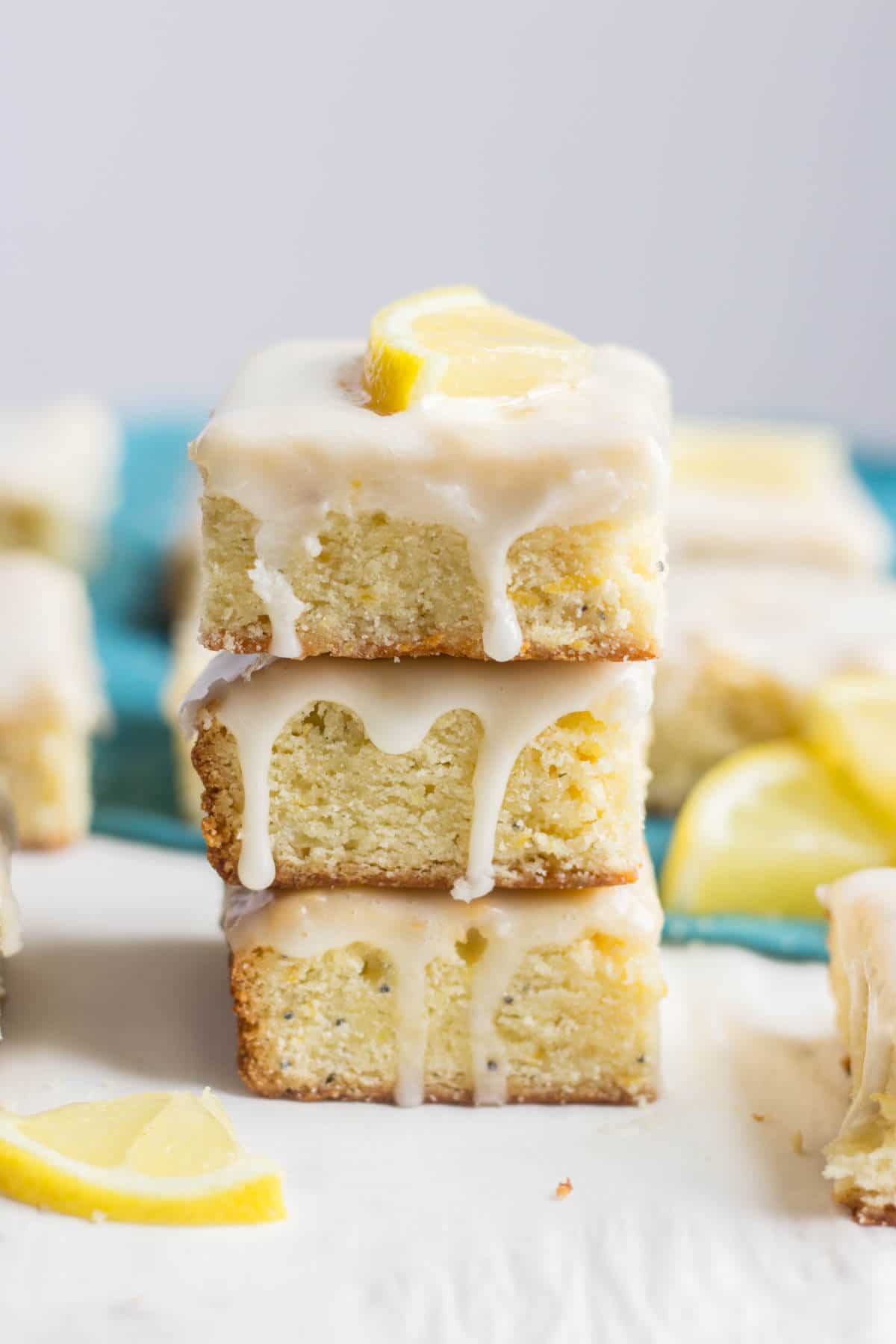 These glazed lemon poppy seed bars are a zingy lemon dessert! These bars are easy to make and are packed with some serious spring flavor. The lemon glaze will leave you wanting more.