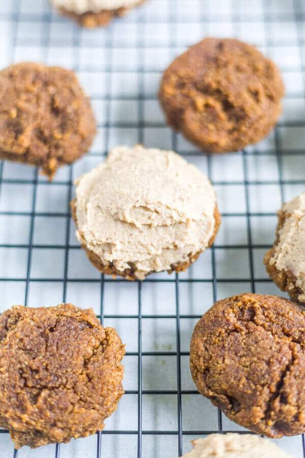 healthy pumpkin spice cookies