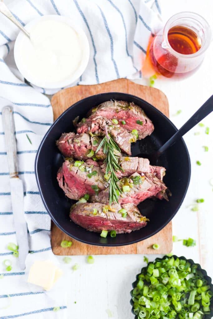 beef tenderloin cooked medium rare