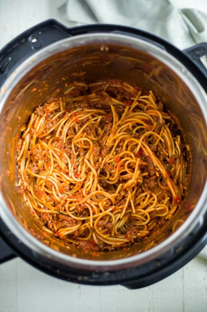 spaghetti with meat sauce in the instant pot