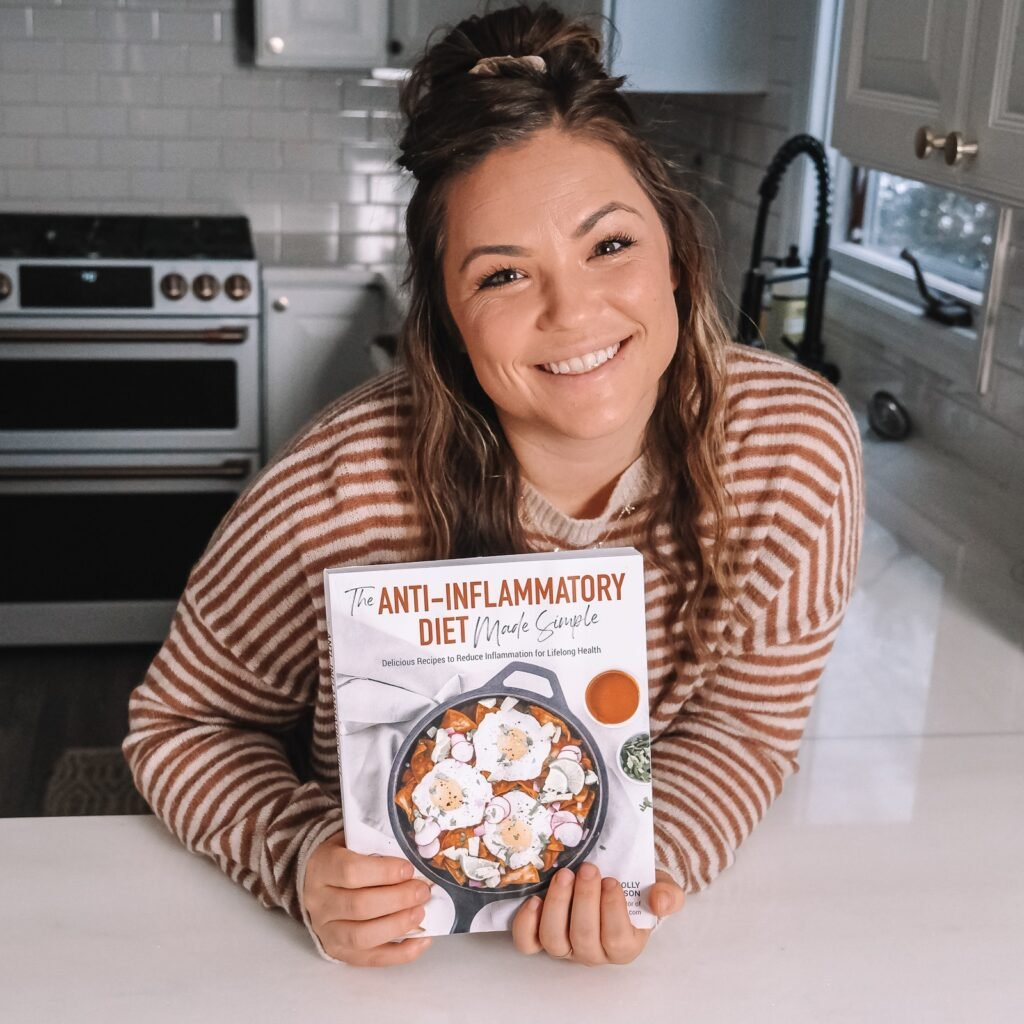 molly thomspon from what molly made in the kitchen with her cookbook